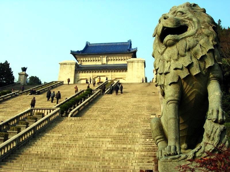 สุสานซุนจงซาน บิดาแห่งประเทศจีนใหม่ (จงซานหลิง) (中山陵 : zhong shan ling)