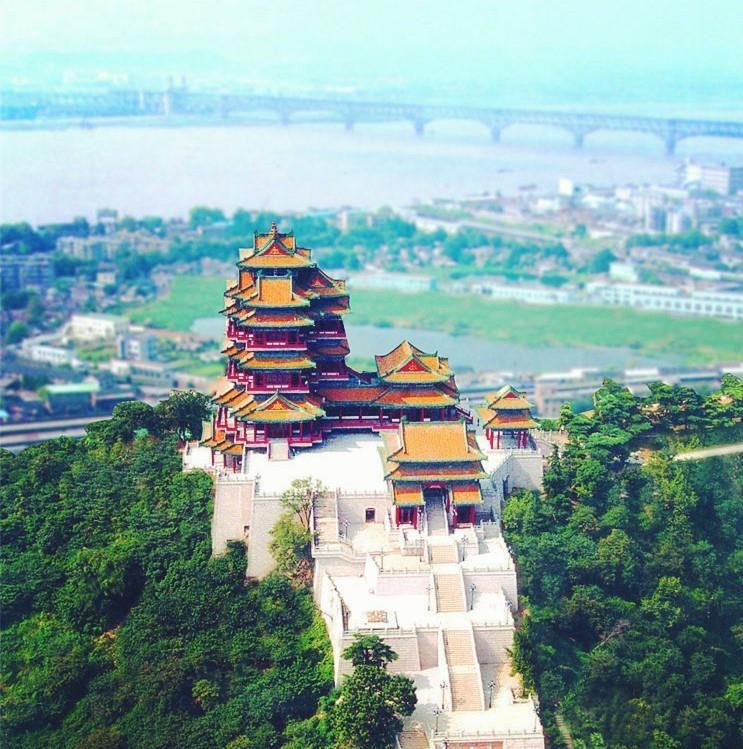หอคอยเยว่เจียงราชวงศ์หมิง (阅江楼 : yue jiang lou)