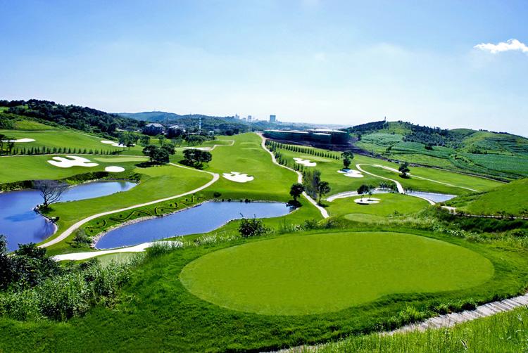 Nanjing Zhongshan International Golf (钟⼭山球场)
